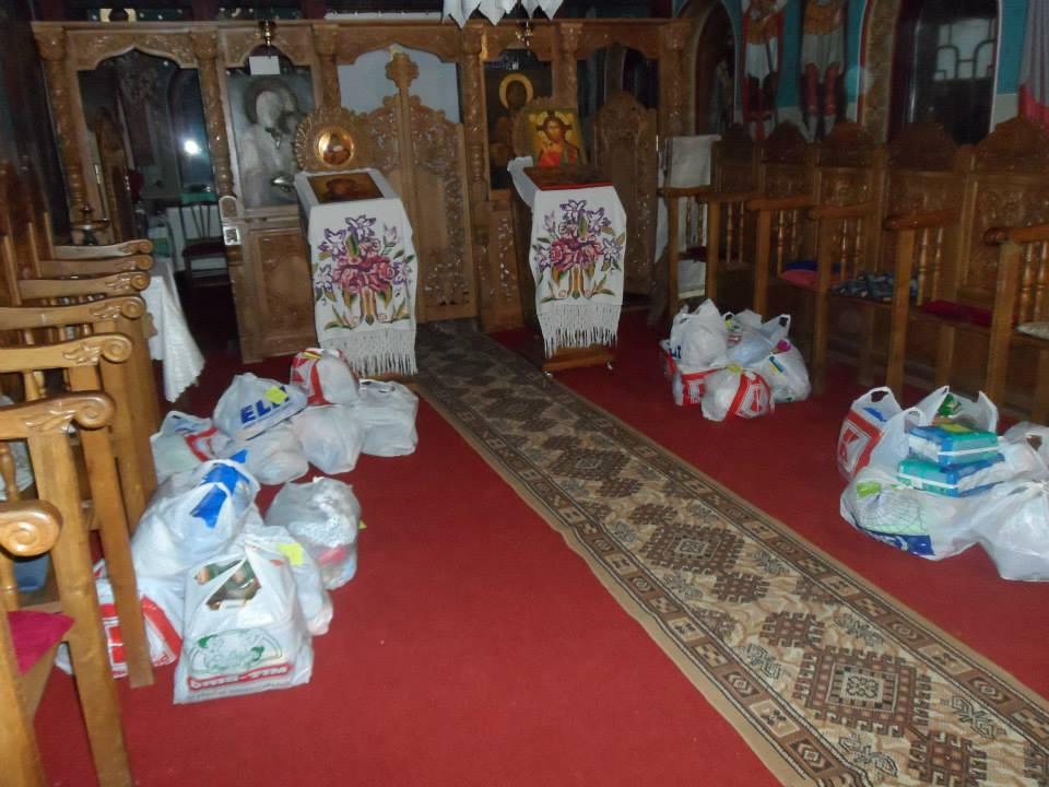 Cosul Familiei - actiunea noastra umanitara din Botosani - Noiembrie 2013 - Pachetele sunt pregatite si asteapta sa fie impartite familiilor nevoiase cu multi copii