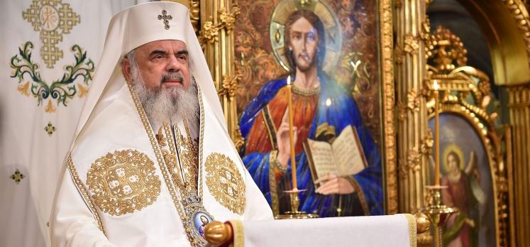 Patriarhul Daniel: Să arătăm că rugăciunea este iubirea mai tare decât moartea