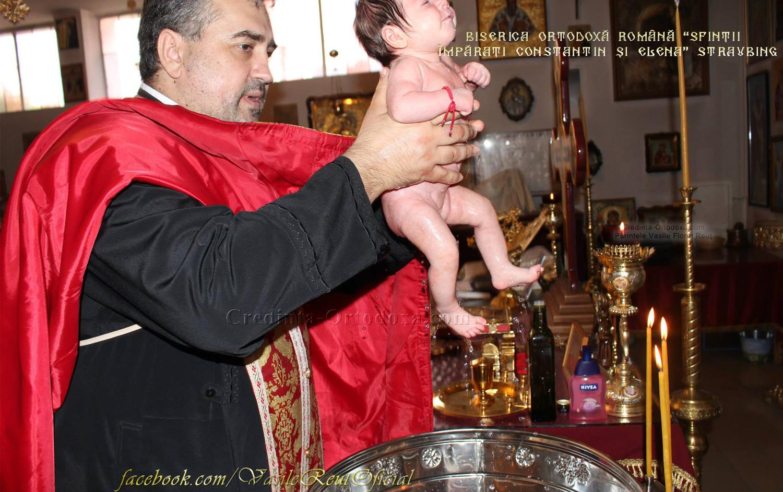 Taina Sfantului Botez la Biserica Ortodoxa Română din Straubing