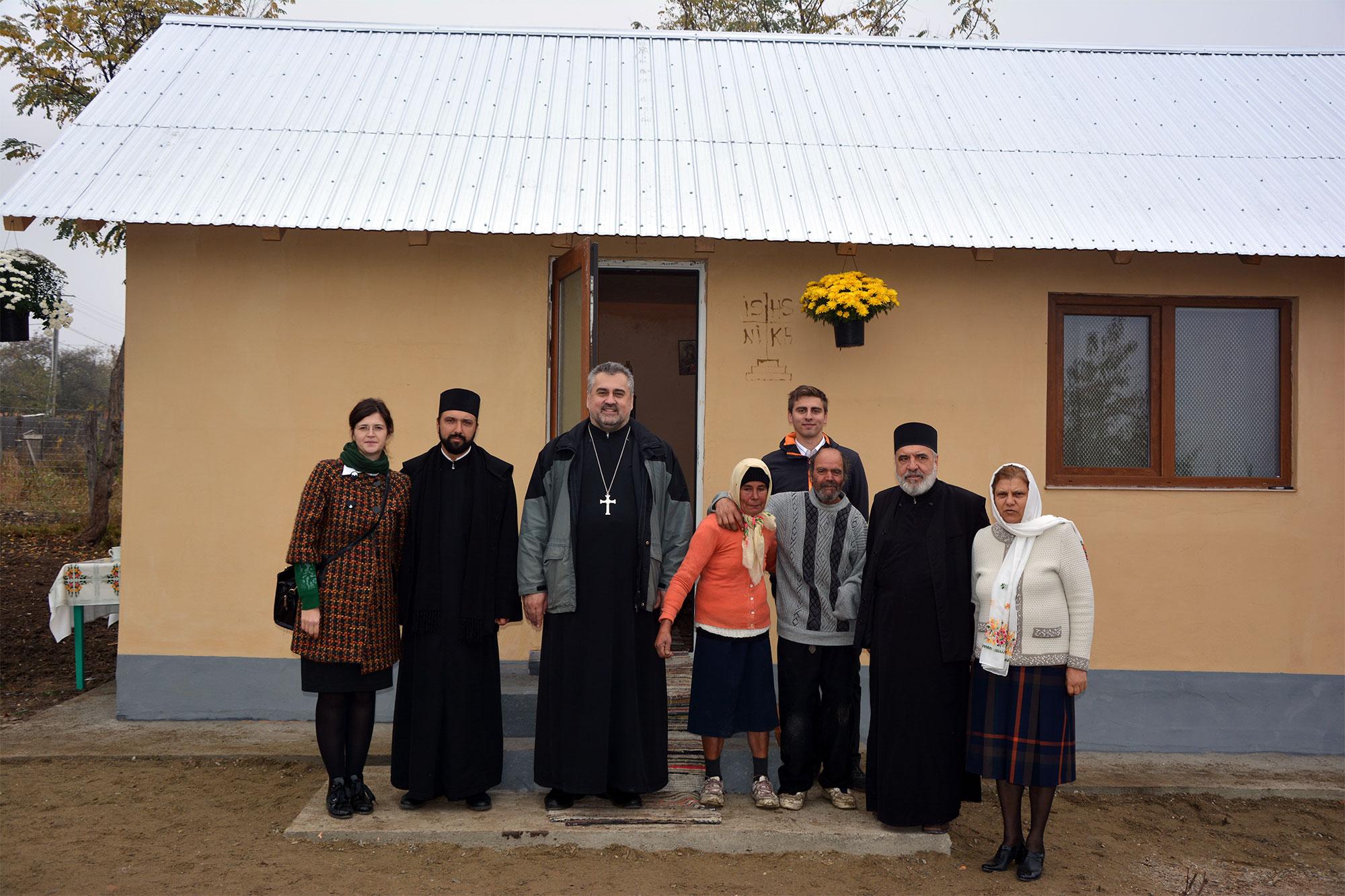 Un vis împlinit: CĂSUŢĂ pentru doi bătrâni necăjiţi din Belceşti, Iaşi - România
