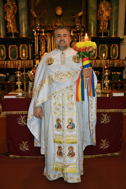 Părintele Vasile Florin Reuţ - Sfintele Paşti 2021